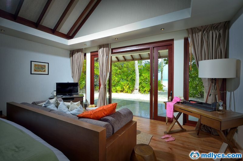 amk-room-interior-3